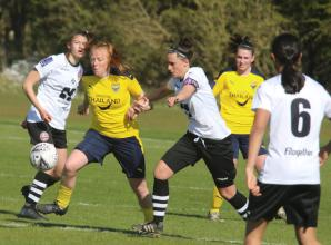 Magpies acquit themselves well in friendly defeat to Oxford United Women