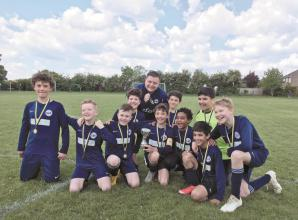 Taplow United u11 and S4K Wolves in cup glory