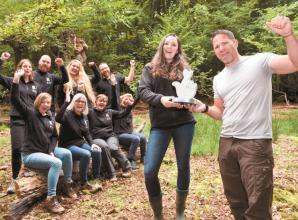 Steve Backshall presents award to conservation project in Burnham