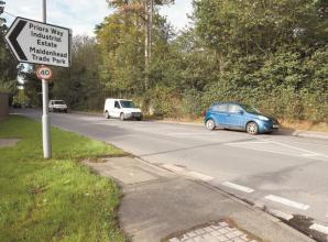 Mum petitions for pedestrian crossing on Windsor Road