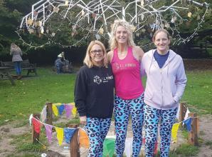 Walk raises £1,153 for Berkshire Sands