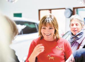 Lorraine Kelly drops in to Bourne End's festive fun night