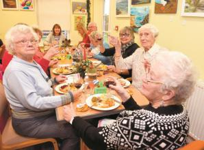 Elizabeth House receives £1,000 grant from Louis Baylis Trust