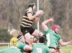 Marlow RFC maintain play-off challenge by edging out Aylesbury at Riverwoods