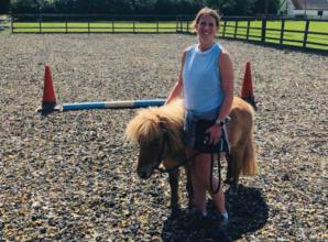 A vet and her miniature Shetland pony raise £2,000 by walking a marathon