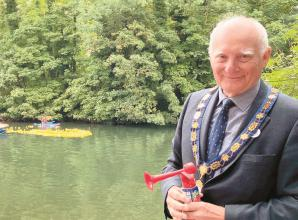 Two thousand ducks race 'slowly' at popular Maidenhead Duck Derby